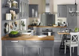 cuisine grise plan de travail noir cuisine bois gris clair grise et plan de travail noir gallery of