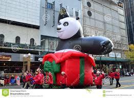 chicago illinois kung fu panda in mcdonald thanksgiving parade