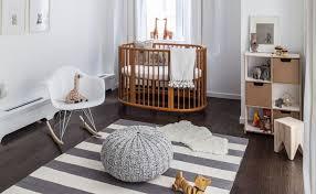 chambre bebe en bois une chambre d enfant en bois et blanc bois blanc deco chambre