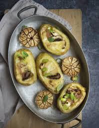 recette cuisine pomme de terre pommes de terres farcies à la raclette pour 4 personnes recettes