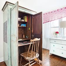 bureau dans une armoire diy une armoire transformée en bureau dossiers décoration et