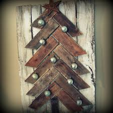 Wood Project Ideas For Christmas by Scavenger Chic Projects For Your Home
