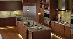 kitchen cabinet lighting canada a guide to choosing kitchen cabinet lights