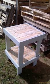 Tall Deck Chairs And Table by 25 Unique Pallet Bar Stools Ideas On Pinterest Pallet Stool