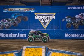 monster truck jam chicago monster jam delights fans at the tacoma dome u2013 yesterdazenews com