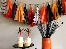 Decorate Your Home For Halloween 8 Chic Halloween Party Decorations And Ideas For Your Home