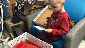 9 year old boy dying of cancer wants to be sent christmas cards