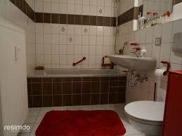 badezimmer trends fliesen badezimmer fliesen holzoptik braun grafffit