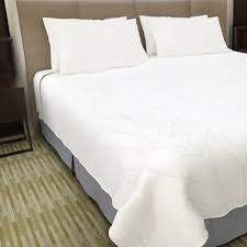 best fabric for sheets 25 best bed scarves blanket covers top sheets images on pinterest