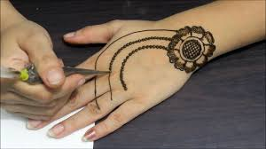 simple easy and beautiful jewellery style mehndi design
