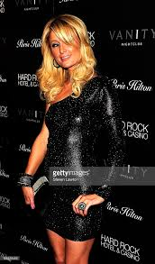 Vanity Night Club Las Vegas Paris Hilton Celebrates The Debut Of Parishilton Com At Vanity