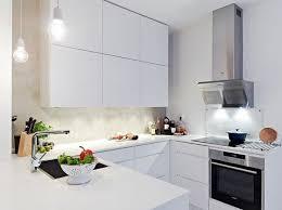cuisine moderne et design cuisine blanc et bois trendy pretty cuisine en blanc ophrey