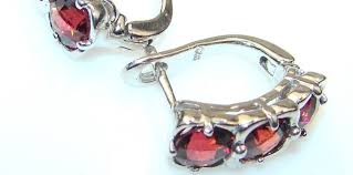 jewelry for sensitive skin how to choose jewelry for sensitive skin silverrushstyle