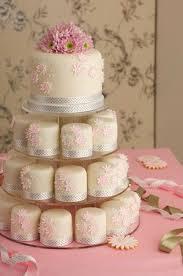 mini wedding cakes best 25 individual wedding cakes ideas on mini