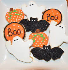 the deepe family dinosaur and boo cookies