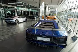 lamborghini showroom building world u0027s largest lamborghini showroom opens in dubai autodevot