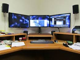 3 Monitor Computer Desk Diy Monitor Computer Desk Ideas Design Pinterest