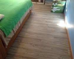 Image  Bedroom With Vinyl Floor On Bedroom Floor Ideas On Bedroom - Bedroom floor