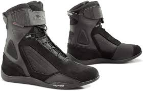 affordable motorcycle boots forma motorcycle city boots up to 60 off in the official sale