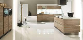 cuisine moderne bois clair salon bois et blanc great suspension luminaire bambou luminaire avec
