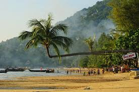 sairee beach koh tao u0027s fun sunset beach u0026 social centre