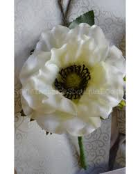 Wedding Flowers For Guests Ivory Wedding Flowers