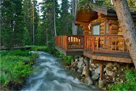 wood cabin what you should before building a log cabin home the