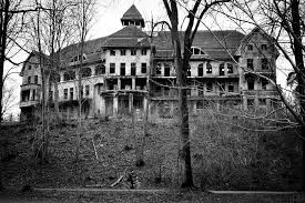 some creepy haunted house pictures