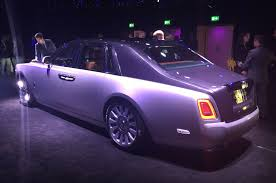 rolls royce outside rolls royce reveals its eight gen flagship model u0027phantom u0027