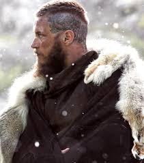 why did ragnar cut his hair cutting his hair shorter for the winter makes no sense but meh