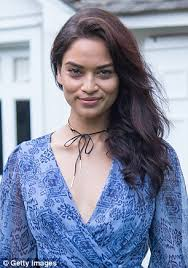 courtney kerr haircut shanina shaik cuts her hair into a shoulder length style daily