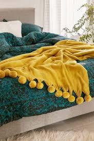 Yellow Bedroom Best 20 Yellow Room Decor Ideas On Pinterest Yellow Spare
