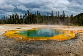 Wyoming national parks images 10 things you may not know about yellowstone national park jpg