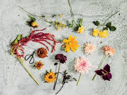 how to arrange flowers from beautiful garden blooms southern living