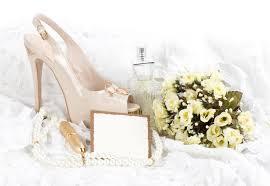 drapã e mariage les chaussures le lacet et les boucles de mariage avec le drapeau