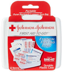 johnson u0026 johnson first aid to go kit pack of 12 items amazon