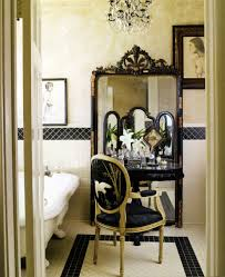 10 ways to style a vintage mirror in your bathroom