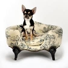 canapé lit pour chien les fauves mondains canapés niches design de luxe pour chiens et chats