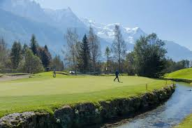 mini golf de bureau chamonix golf golf 18 holes in chamonix mont blanc valley chamonix