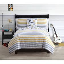 Comforter Ideas Boys And S by 76 Best Kids Room Ideas Images On Pinterest Custom Bedding
