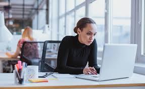 position au bureau pourquoi être assis au bureau ruine la santé et la productivité