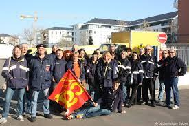 bureau de poste sorel piquet de grève devant le bureau de poste des sables les employés