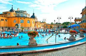 bagno termale e piscina széchenyi thermes széchenyi budapest hongrie j aime voyage