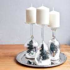 idee deco pour grand vase en verre 20 décorations de noël à faire avec des accessoires de verre c