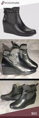 nib ugg australia emalie wedge waterproof ankle boot black zip ugg australia matteson leather ankle boots black size 11 1001575