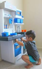 Little Tikes Wooden Kitchen by Our Southern Style Encourage Creative Cooking With Little Tikes