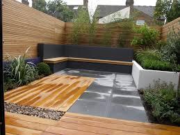 Small Courtyard Design by Julie Zeldin Landscape And Garden Design West London Small