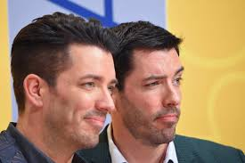 drew scott of property brothers is engaged