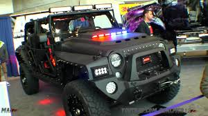 jeep jk girls lil big rigs pickup trucks never looked better thanks to these girls