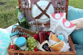 date basket ideas diy picnic blanket tips for date picnic ideas